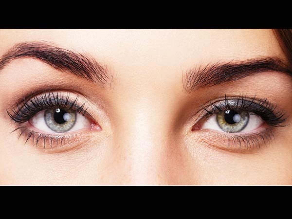 Tăng cường sức khỏe thị giác: Dầu gan cá tốt cho mắt bởi nó chứa vitamin A giúp phòng các bệnh về mắt. Omega-3 có trong dầu gan cá cũng rất tốt cho thị giác. Tổ hợp omega-3 và dầu gan cá đã được chứng minh có khả năng hỗ trợ điều trị tăng nhãn áp.