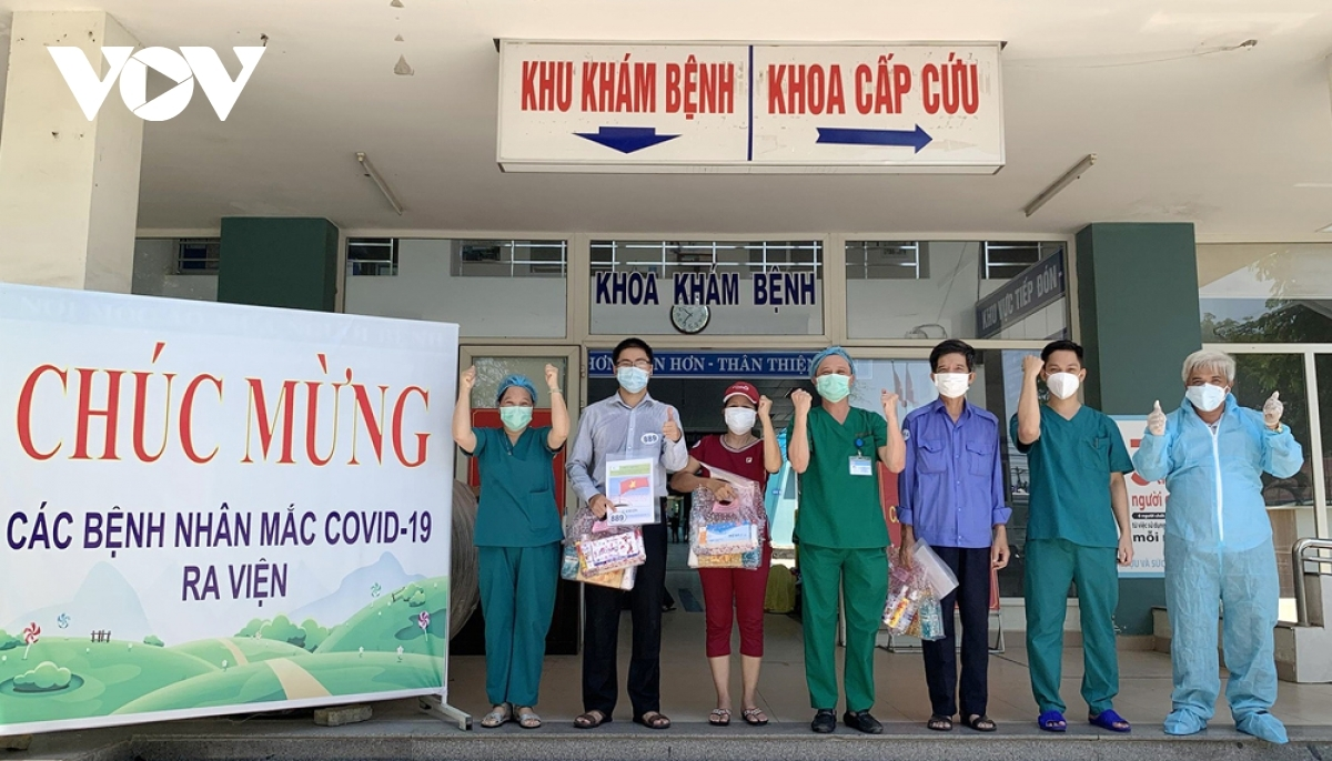 Patients are discharged from Hoa Vang field hospital in Da Nang.