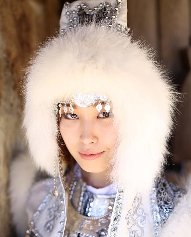 Nữ thanh niên dân tộc Yakutia.