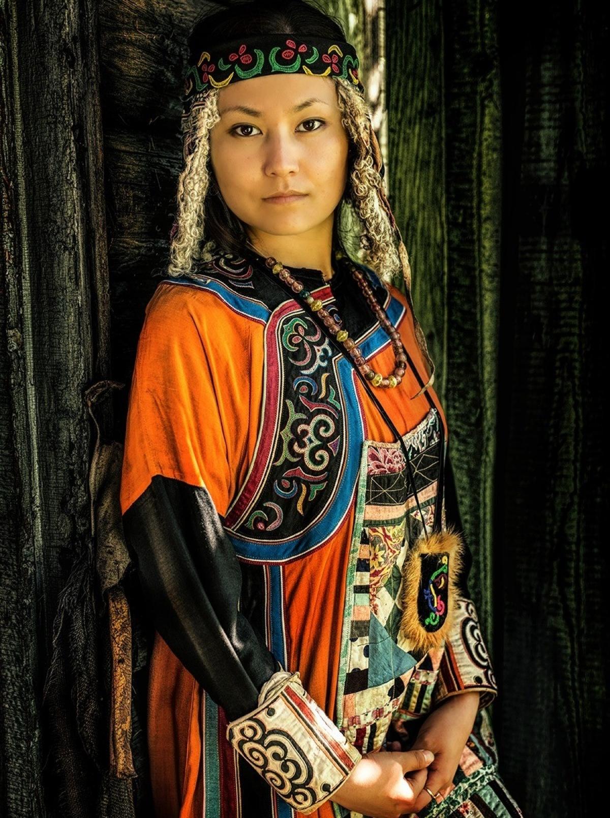 Thanh nữ Orochi.