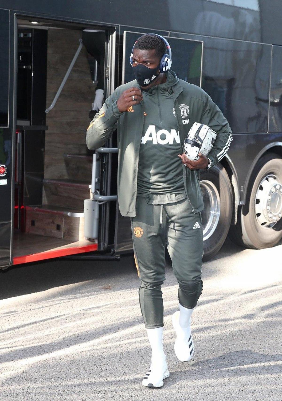 Pogba tiến vào sân (Ảnh: MUFC).
