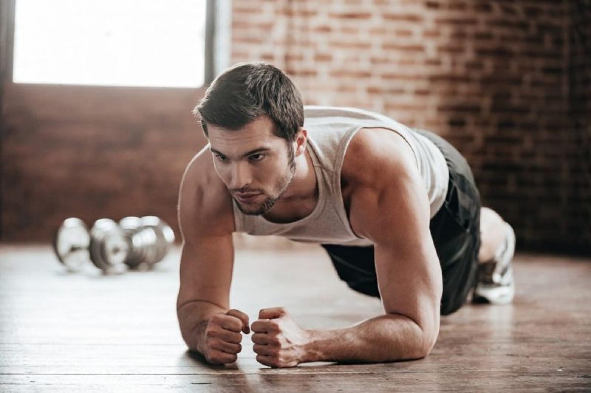 Các bài tập cải thiện tư thế: Bên cạnh việc lưu tâm điều chỉnh tư thế hằng ngày, bạn có thể cải thiện tư thế bằng các bài tập như yoga hay plank. Các bài tập này giúp tăng sức mạnh các cơ, giảm căng cơ, phát triển các cơ lưng và bụng./.