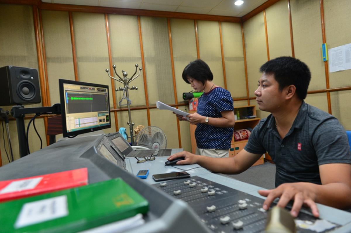 Các kỹ sư, kỹ thuật viên, phóng viên, biên tập viên của Đài TNVN luôn thích ứng và làm việc tốt trong môi trường conog nghệ mới.