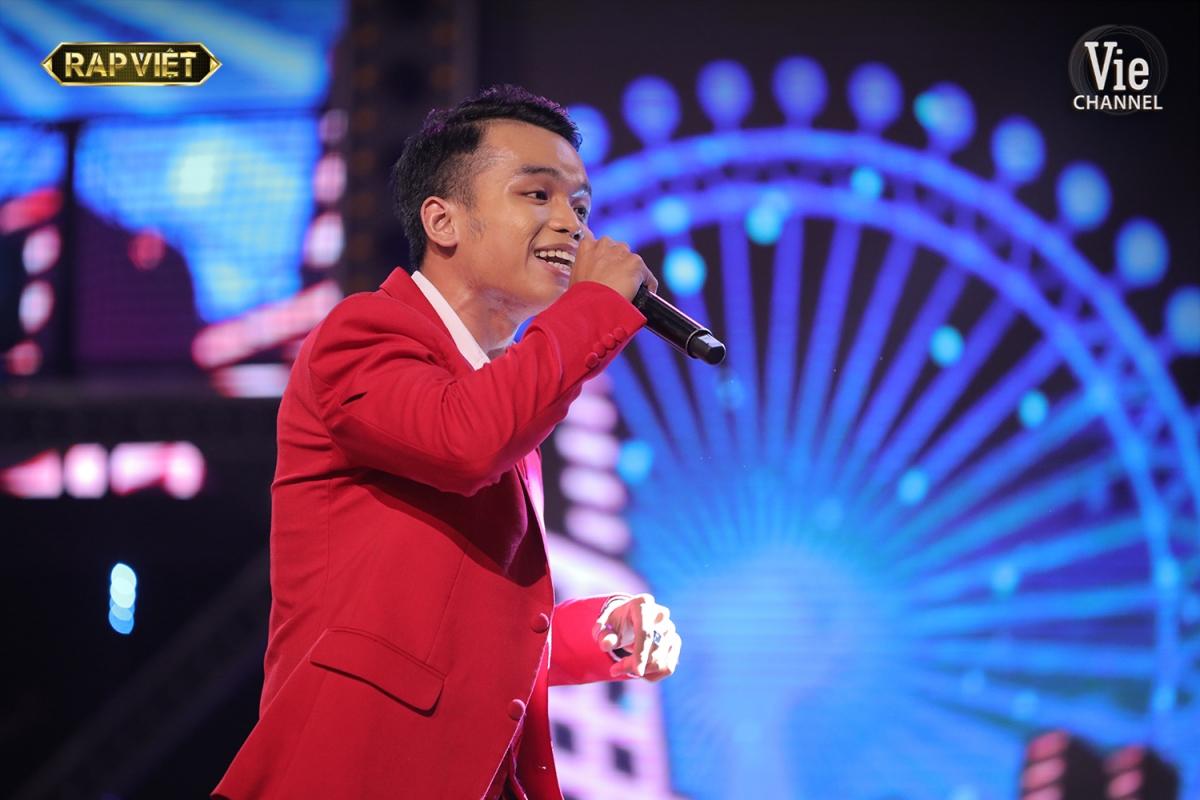 Chàng sinh viên Nguyễn Thanh Long