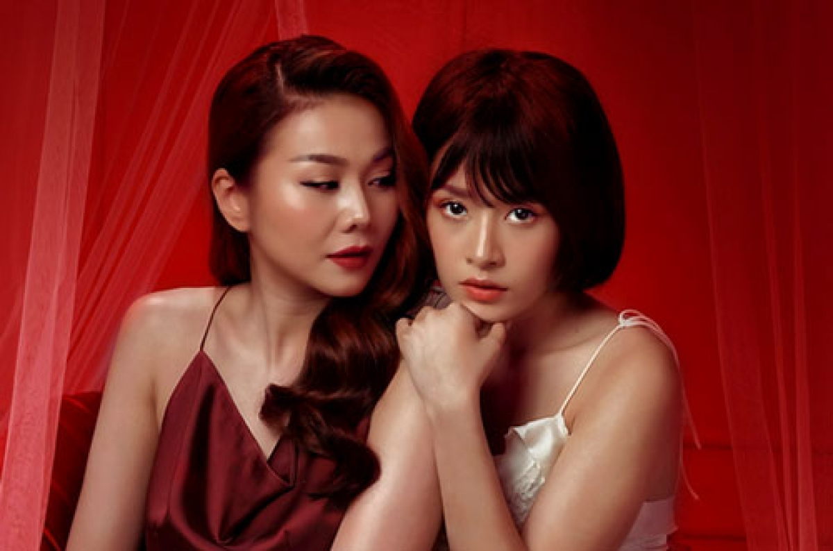 Supermodel Thanh Hang and young singer Chi Pu starring in Chi Chi Em Em