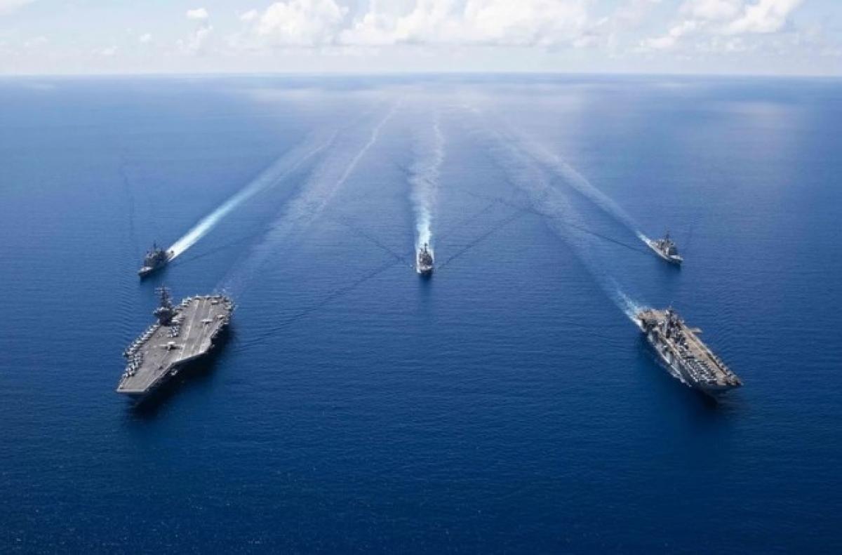Nhóm tác chiến tàu sân USS Ronald Reagan ở Biển Đông tháng 9/2019. Ảnh: AFP.