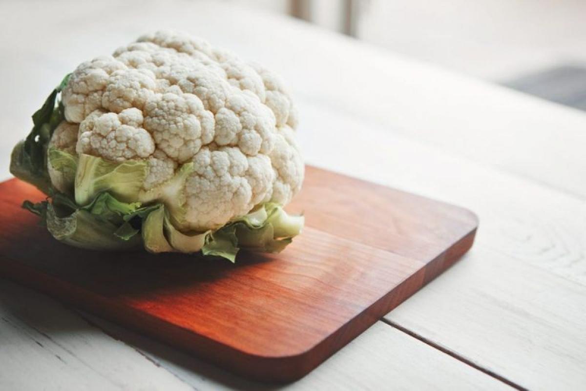 Súp lơ: Súp lơ là một loại rau họ cải giàu folate, vitamin C, K và chất xơ. Súp lơ còn giàu các chất kháng viêm và chứa rất ít kali, do đó rất phù hợp với người bị tổn thương thận.