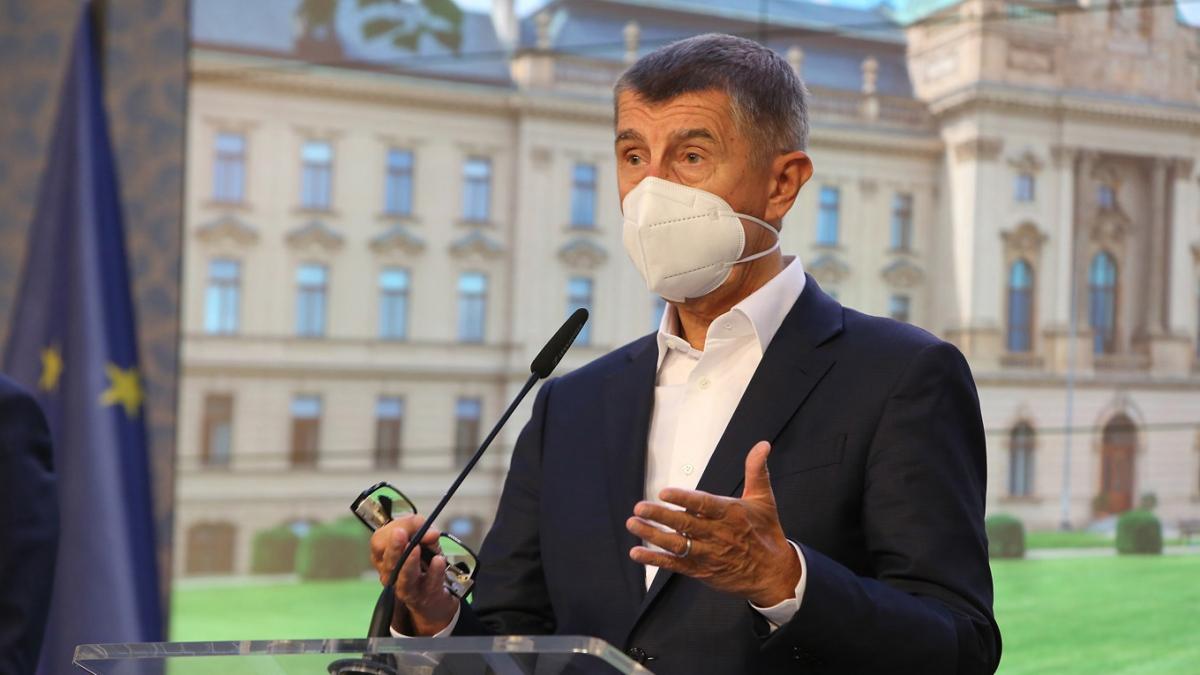 Thủ tướng Babiš phát biểu trên truyền hình. (Ảnh: news.expats.cz)