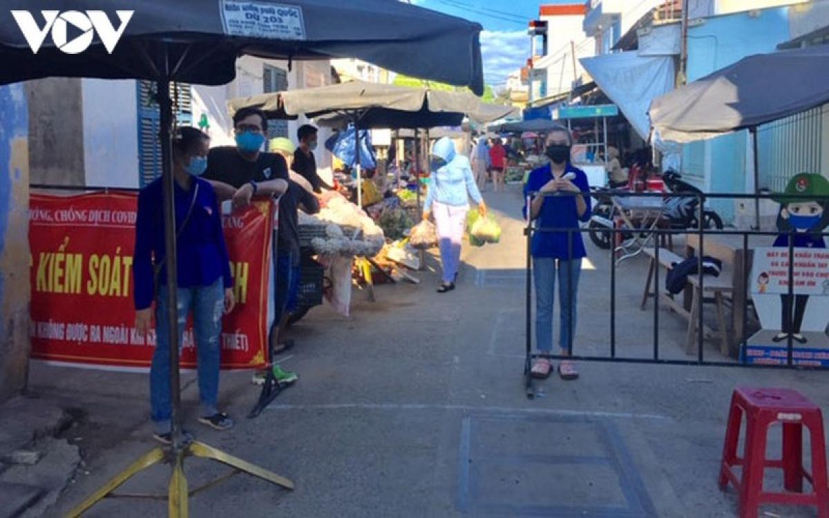 Đà Nẵng đề nghị Ban Quản lý các chợ thông báo cho tiểu thương và người đi chợ thu hồi các sản phẩm chay