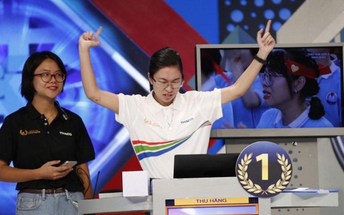 Cách ăn mừng chiến thắng của Quán quân Nguyễn Thu Hằng.