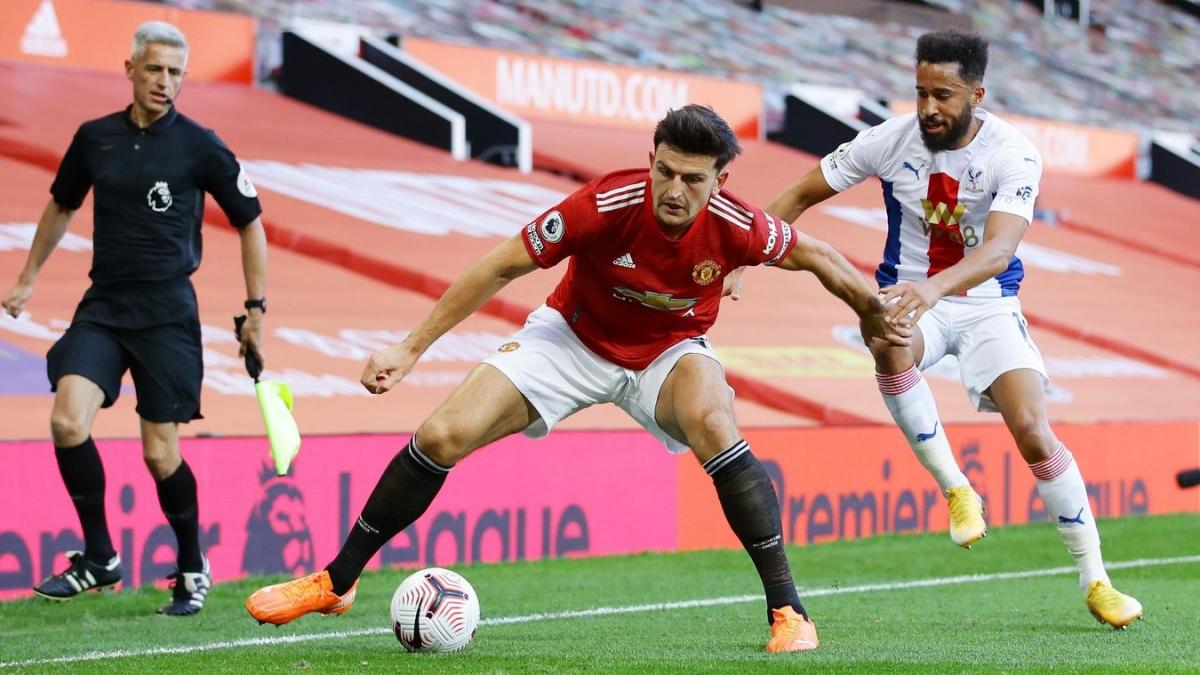 Hàng thủ MU đang gặp quá nhiều khó khăn trước các đợt phản công của Crystal Palace. (Ảnh: Premier League).