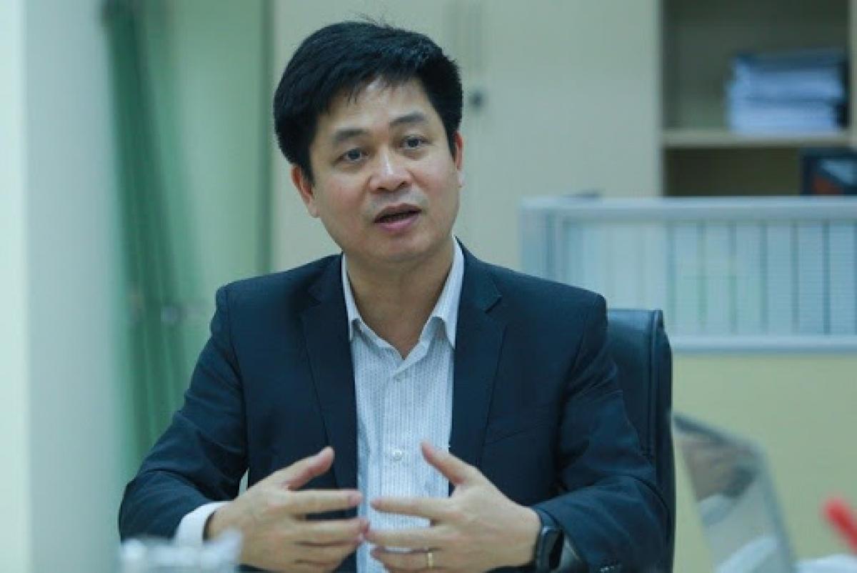 Ông Nguyễn Xuân Thành cho biết, theo quy định mới, giáo viên sẽ toàn quyền quyết định khi nào học sinh được dùng điện thoại.