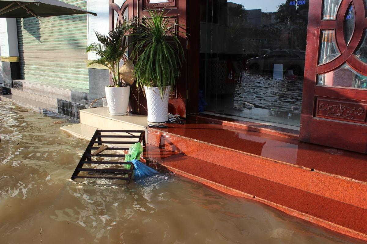 Nhà dân ngập nước tại nội ô thành phố Cần Thơ.