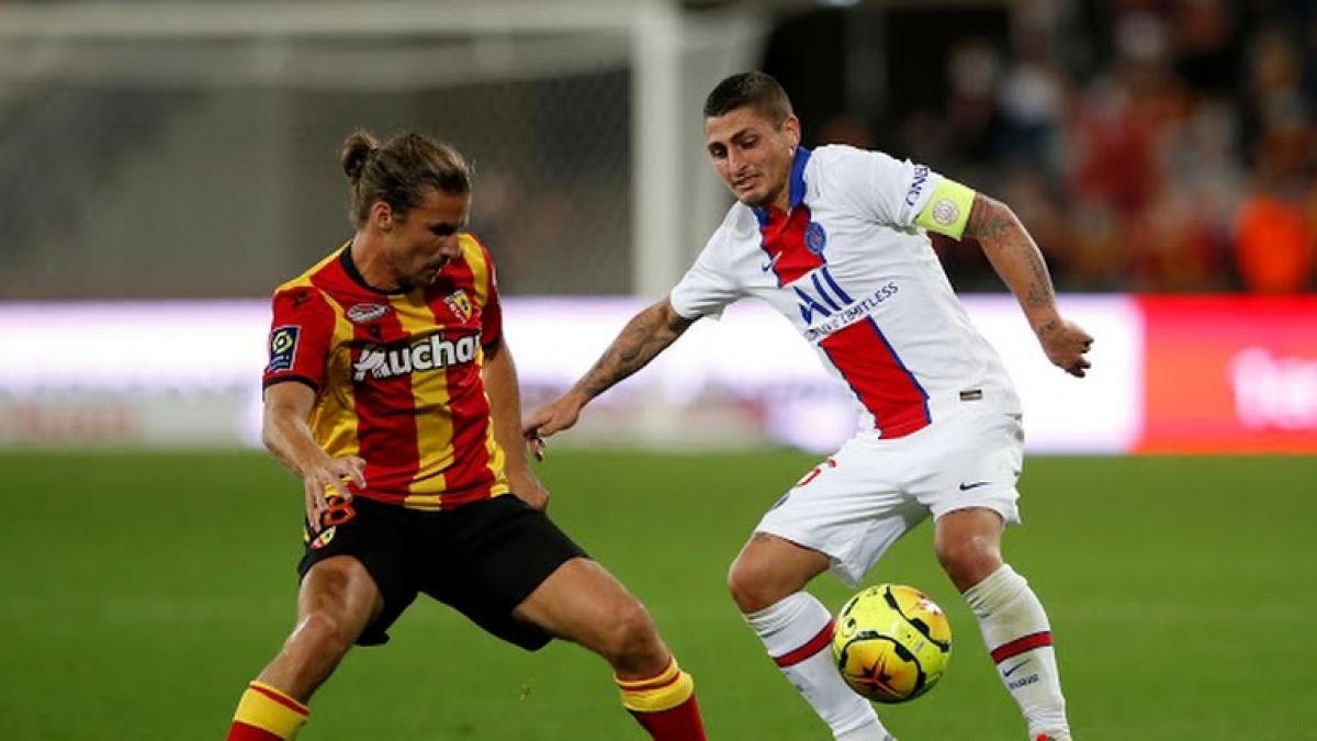 Số ít cầu thủ kinh nghiệm như Verratti là quá ít để PSG có được kết quả tốt trước Lens. (Ảnh: Reuters).