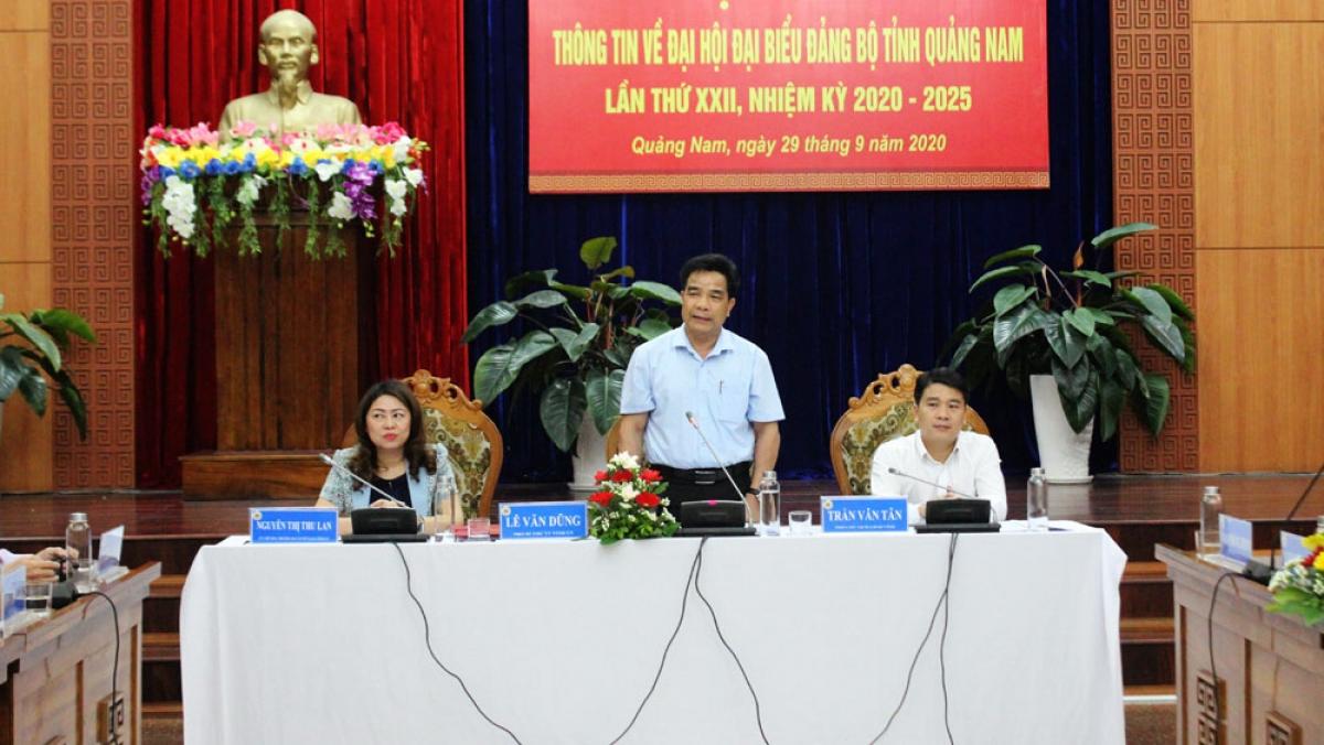 Ông Lê Văn Dũng, Phó Bí thư Thường trực Tỉnh ủy Quảng Nam phát biểu tại buổi họp báo