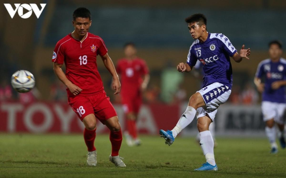Hà Nội FC bị 4.25 SC cầm hòa đáng tiếc ngày này 1 năm trước. (Ảnh: Minh Hoàng).