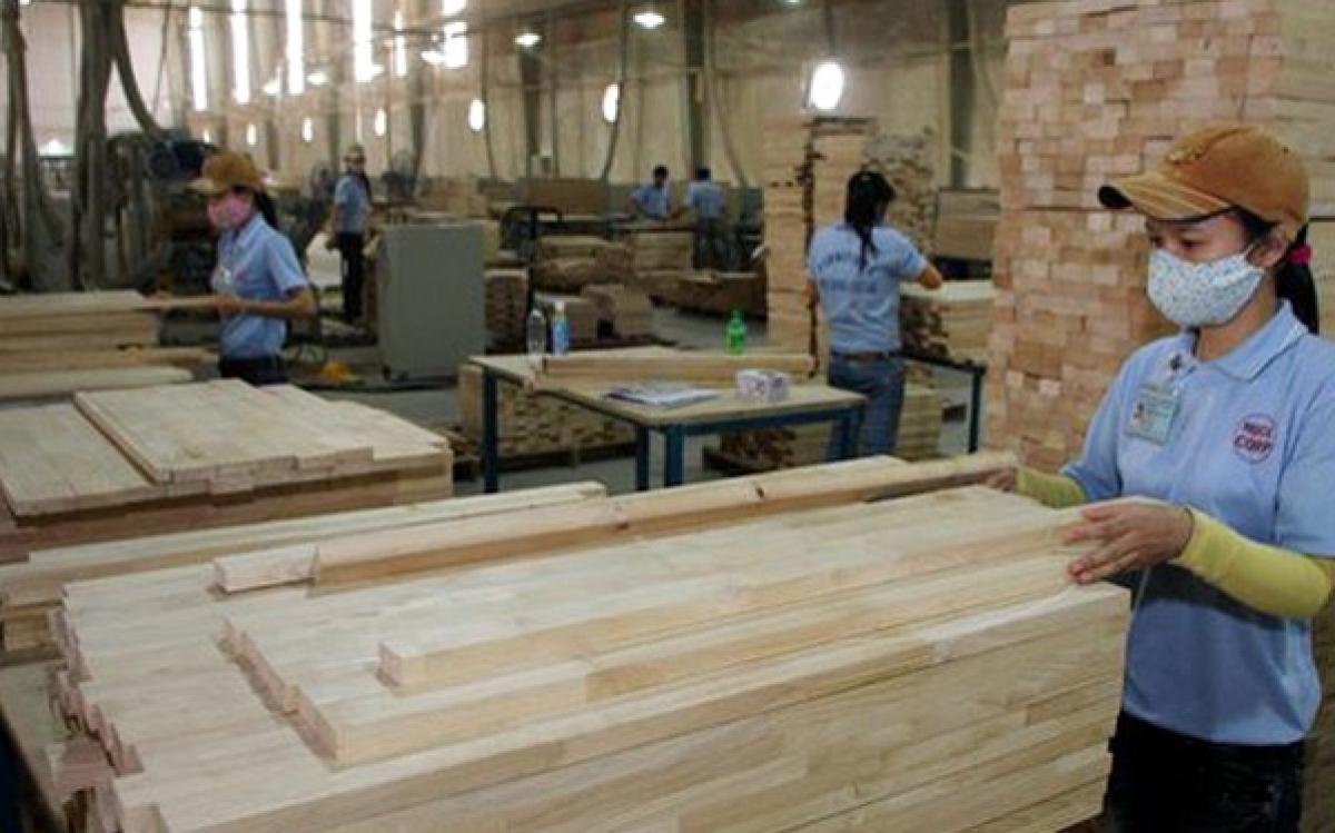Xuất khẩu gỗ có thể sẽ đạt mục tiêu 13 tỷ USD trong năm nay. (Ảnh minh họa: KT)