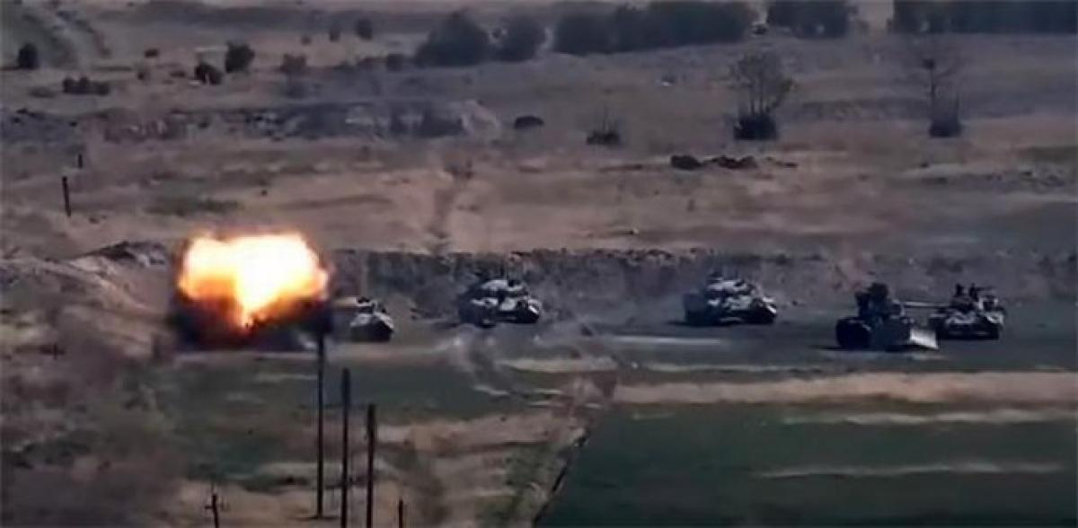 Đoàn xe quân sự của Azerbaijan tại vùng Nagorno-Karabakh. Ảnh: AFP.