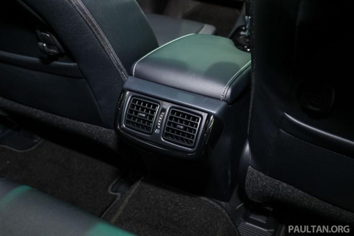 Tùy chọn Rogue và bạn sẽ nhận được Toyota Safety Sense bao gồm Hệ thống tiền va chạm (PCS), Kiểm soát hành trình bằng radar động (DRCC) và Cảnh báo chệch làn đường (LDA) với Hỗ trợ chệch hướng.