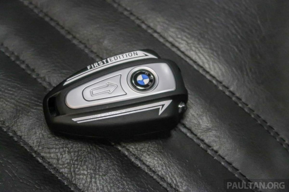 Mức giá bán lẻ của BMW Motorrad R18 First Edition 2020 được giảm so với mức giá ban đầu 156.500 RM (tương đương 874 triệu đồng).