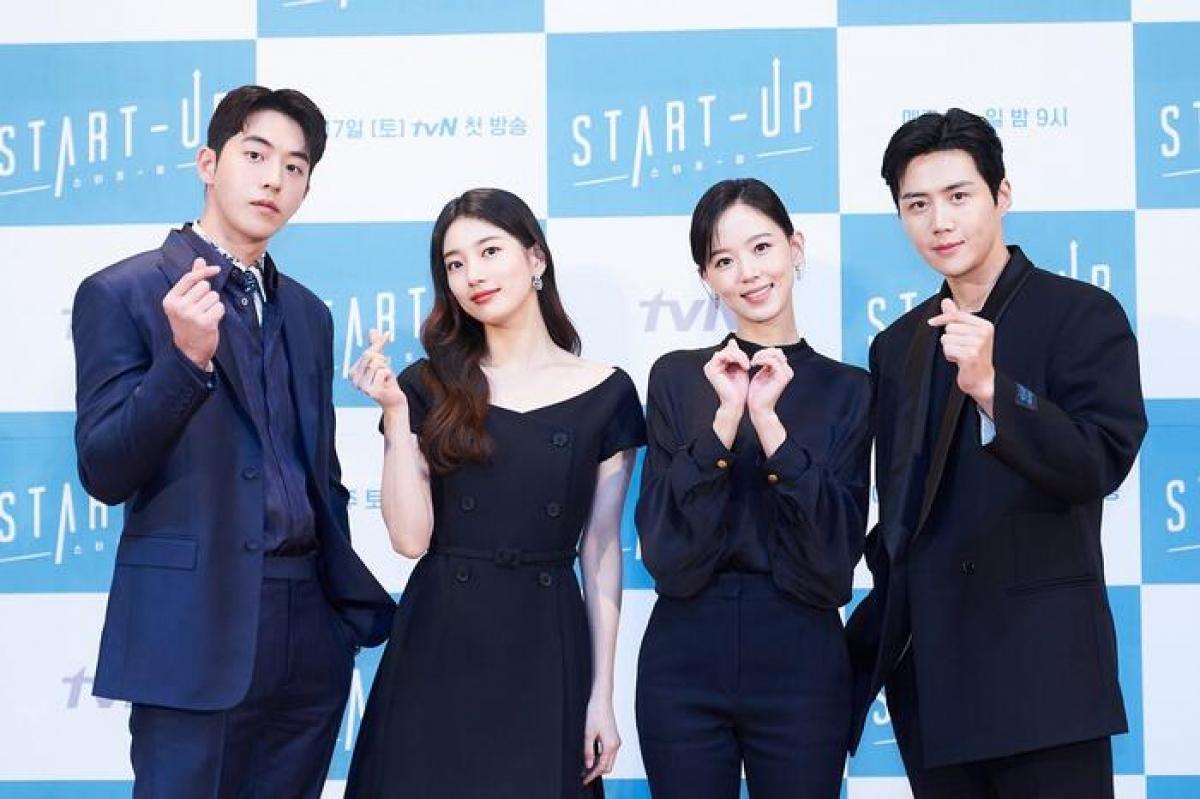 """Mới đây, dàn diễn viên bộ phim """"Start - up"""" của đài tvN đã tham dự buổi họp báo ra mắt trước khi lên sóng."""