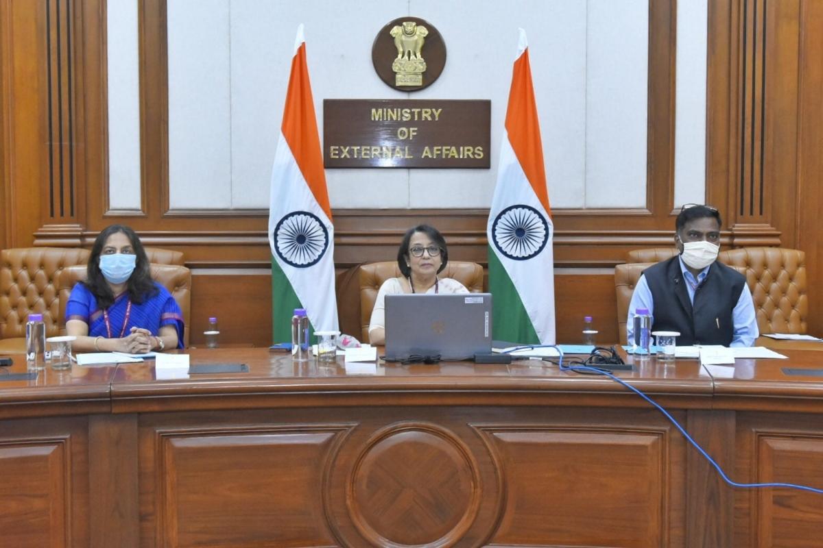 Thứ trưởng Ngoại giao Ấn ĐộRiva Ganguly Das phát biểu tại Diễn đàn Doanh nghiệp Ấn Độ - Việt Nam ngày 20/10 (Ảnh: MEA)