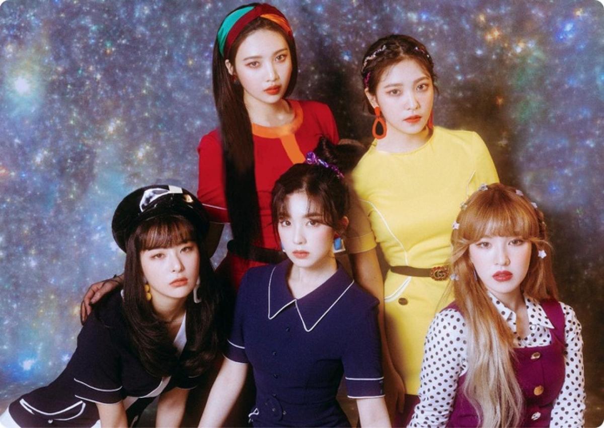 """Red Velvet đứng trước nguy cơ bị """"đóng băng"""" hoạt động vì scandal của trưởng nhóm."""