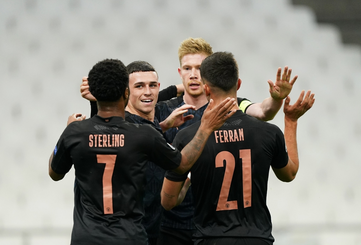 Man City giành chiến thắng 3-0 trước Marseille để đứng đầu bảng C.