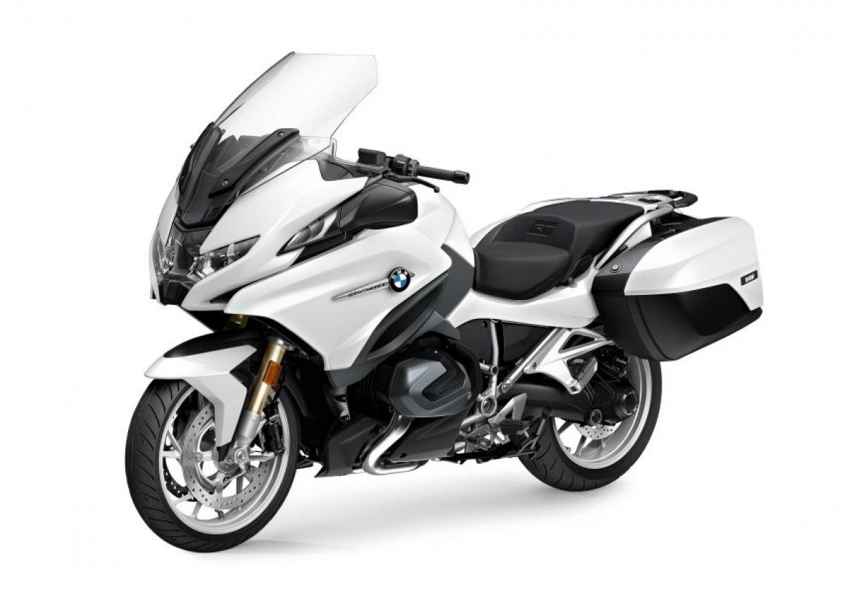 Mức giá tại thị trường Anh dành cho chiếc mô tô thể thao R1250RT là 15.820 bảng Anh (tương đương 476 triệu đồng) đã bao gồm VAT.