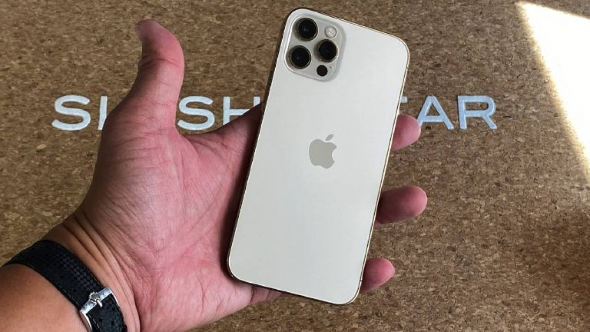Apple đã mang đến một số cải tiến lớn về camera trên iPhone 12 Pro so với tiền nhiệm để nâng tầm chất lượng camera. Đặc biệt là sự xuất hiện của cảm biến LiDAR.