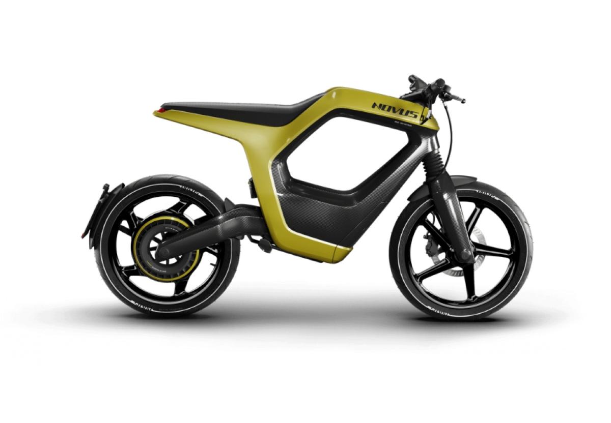 Xe được làm từ sợi carbon thiết kế thành khung hình thang nặng 7 kg với tổng trọng lượng tổng cộng 75 kg bao gồm cả pin, Novus được thiết kế như một phương tiện giao thông cá nhân có trọng lượng nhẹ, linh hoạt và phù hợp với môi trường đô thị.