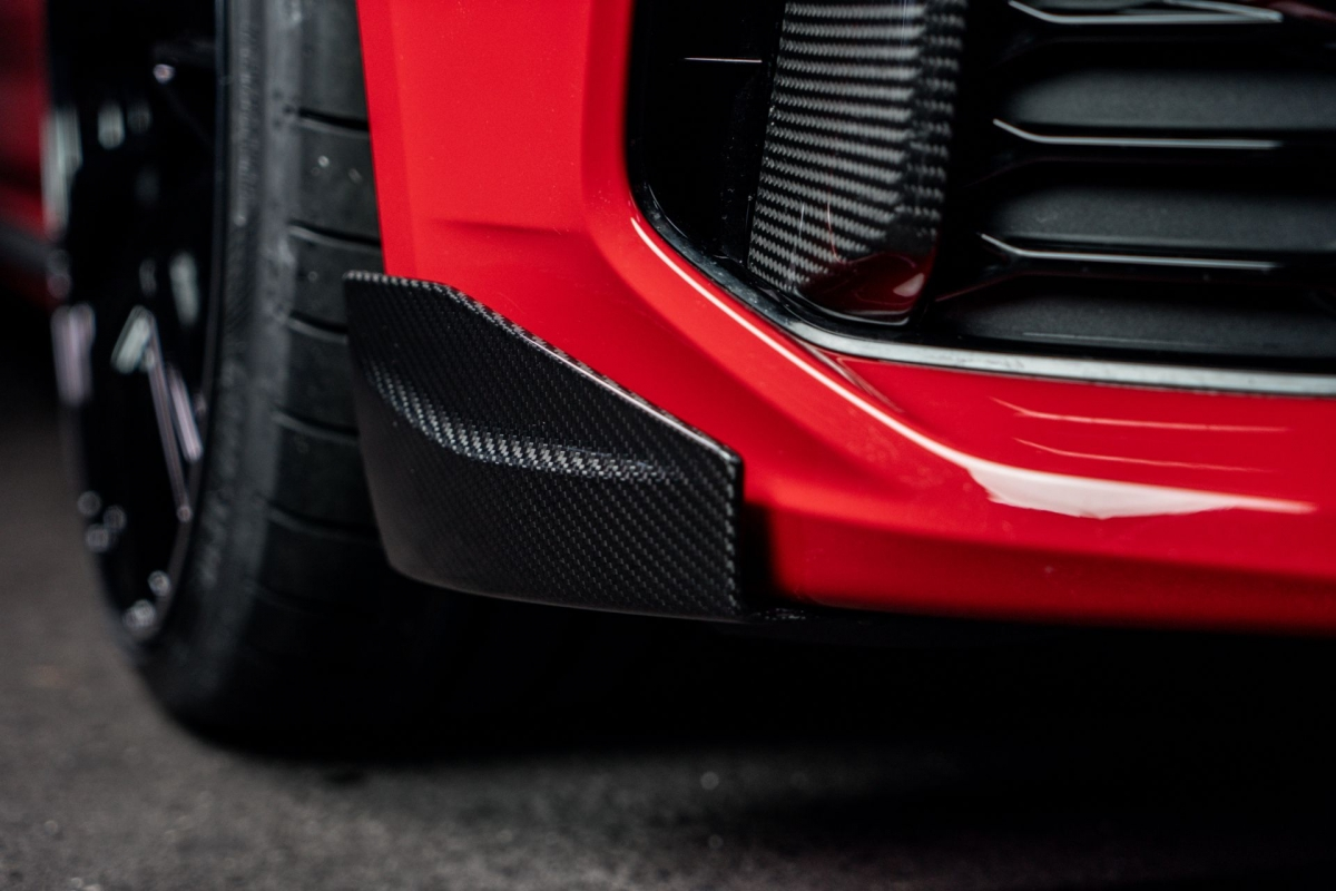 Sức mạnh này cao hơn 60 mã lực và 60 Nm mô-men xoắn so với tiêu chuẩn, nhờ đó, chiếc wagon thể thao có thể tăng tốc lên 100 km/h trong chỉ 3,9 giây.