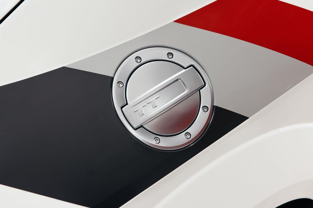 """40 chiếc Audi TT RS """"40 years of Quattro"""" sẽ bắt đầu được bán ra tại thị trường Đức trong tháng này với giá lên đến 114.040 Euro cho mỗi chiếc."""