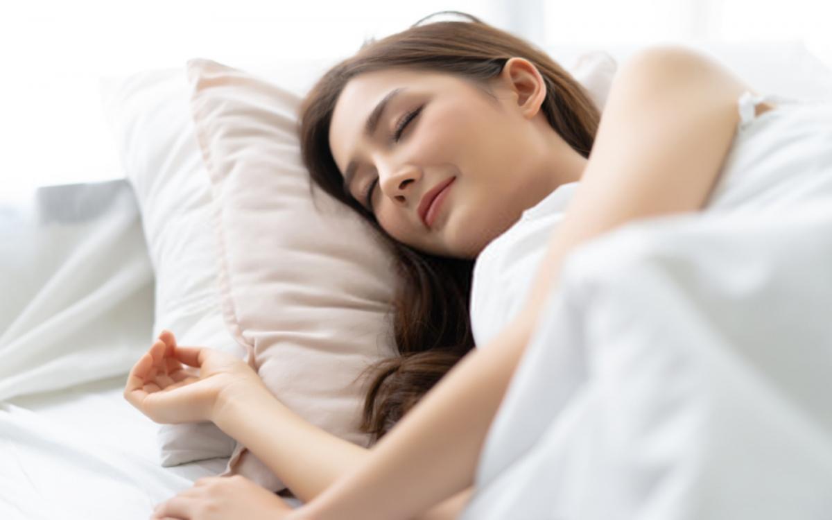 Ngủ đủ giấc: Giấc ngủ giúp cơ thể tự chữa lành những tổn thương, giúp điều chỉnh hormone và estrogen.