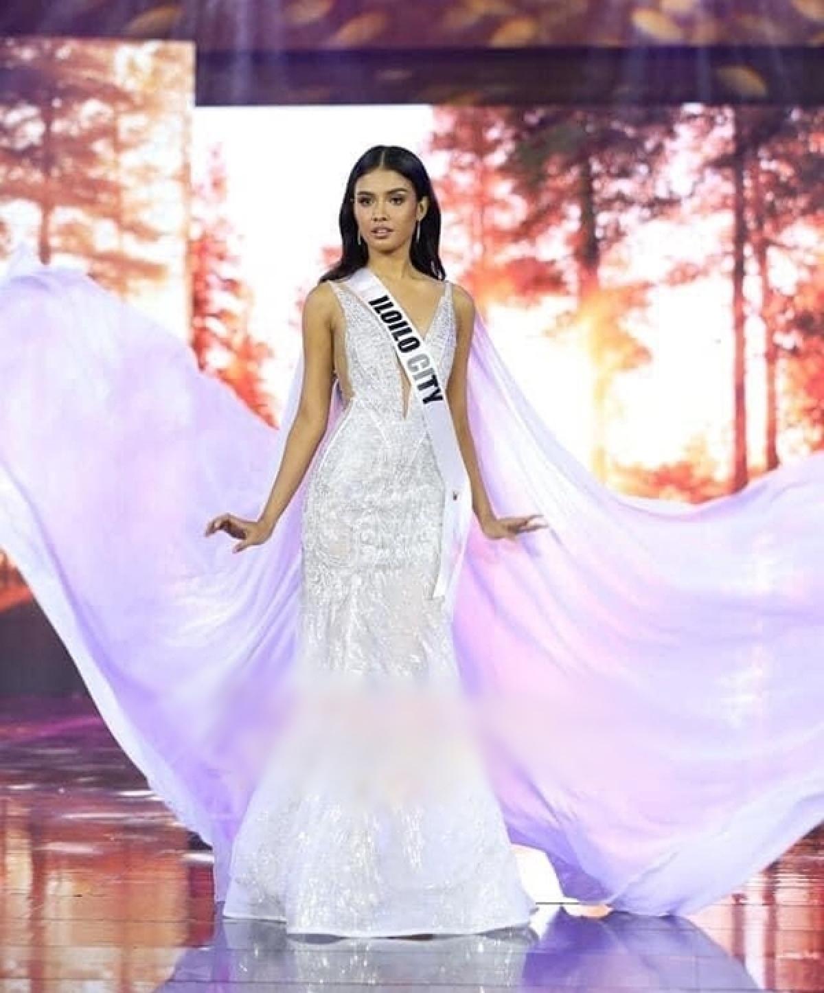 Người đẹp 23 tuổi đã xuất sắcvượt qua 45 thí sinh, đăng quang ngôi vị hoa hậu.