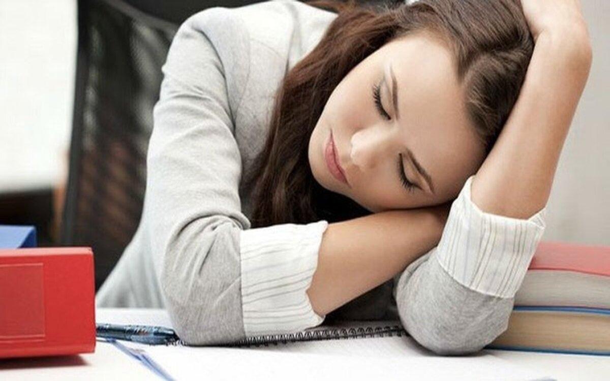 Thiếu vitamin B1 làm bạnmất ngủ, cơ thể mệt mỏi, yếu cơ, dễ bị khích động, sụt cân và dễ gặp các vấn đề về tim mạch, hệ tiêu hóa.