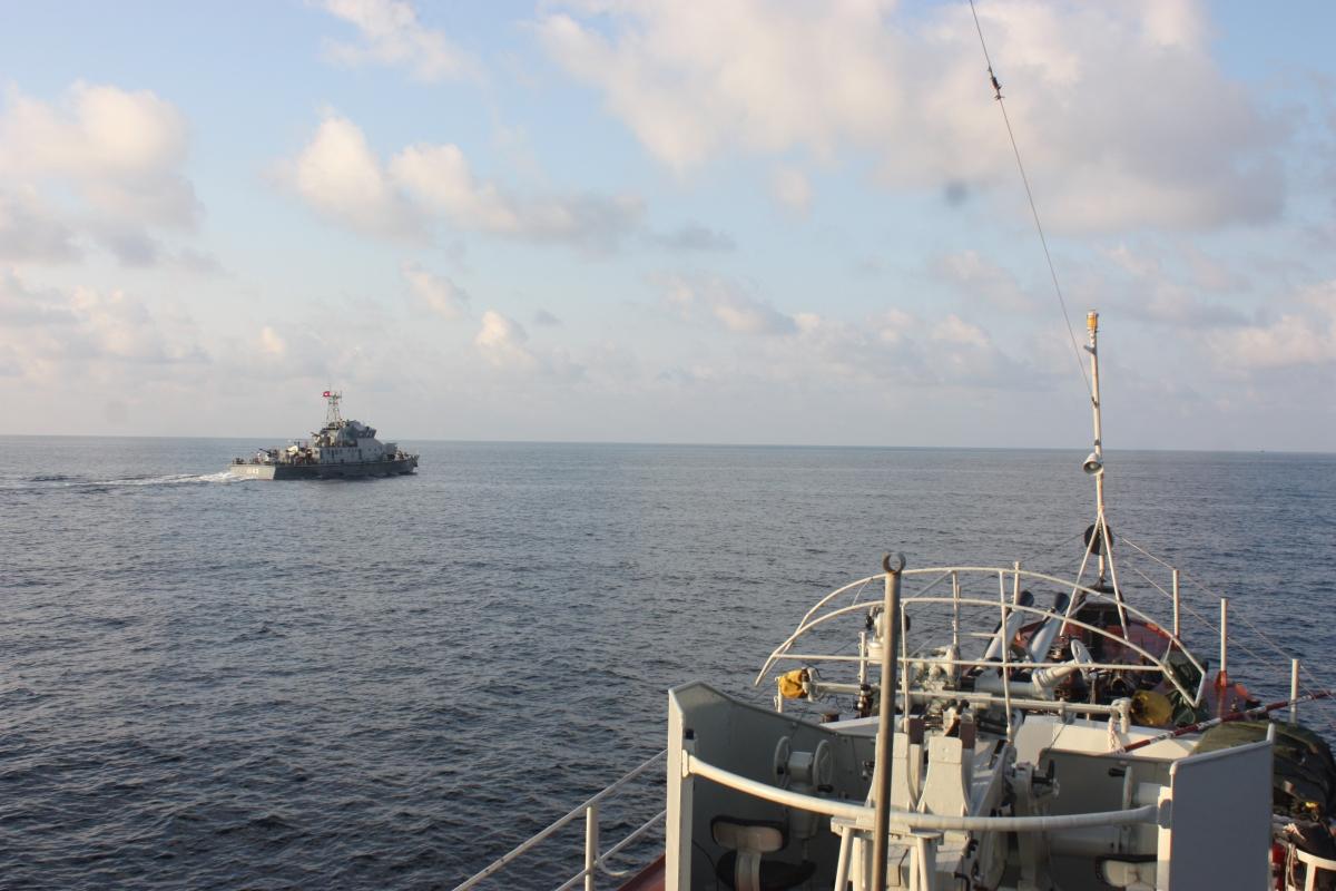 Tàu 253 Vùng 5 Hải quân Việt Nam tuần tra chung với Hải quân Hoàng gia Campuchia. Nguồn ảnh: Văn Định (Vùng 5 Hải quân)