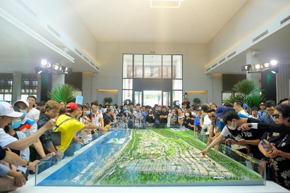 Hàng ngàn khách hàng tham quan trải nghiệm tại NovaWorld Phan Thiet trong ngày 3,4/10.