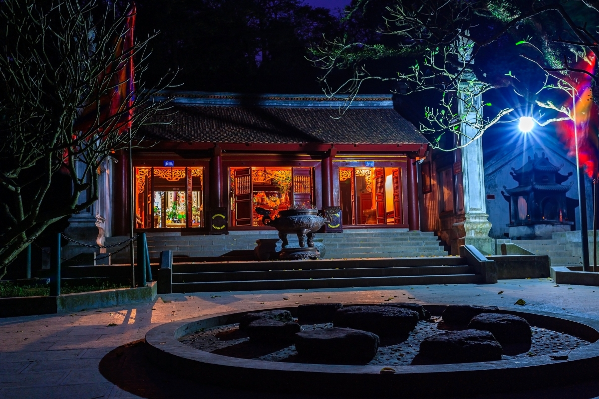 Đền Trung về đêm. Nguồn: Trung tâm Thông tin Xúc tiến Du lịch tỉnh Phú Thọ