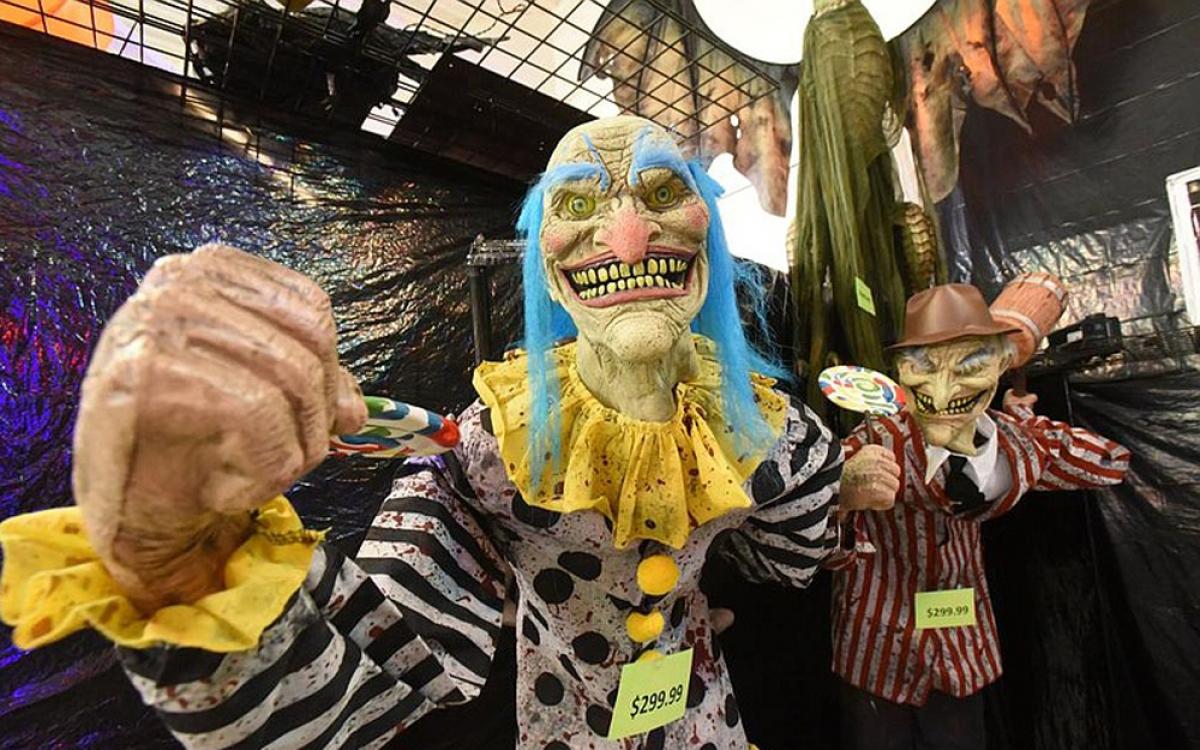 Halloween là lễ hội được giới trẻ trên thế giới hào hứng đón nhận. (Ảnh: arkansasonline)