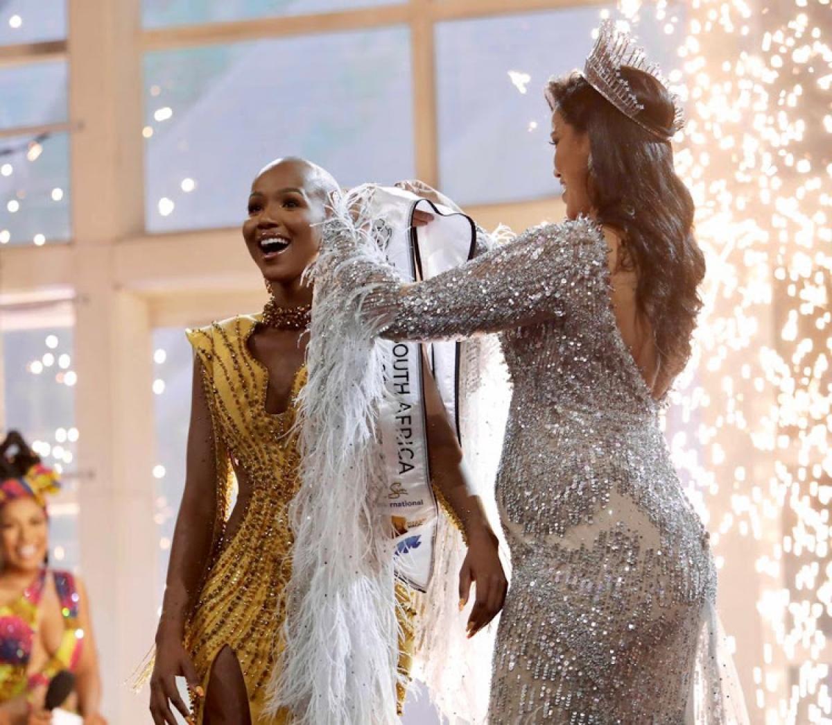 Như vậy,Shudufhadzo Musida sẽ đại diện Nam Phi dự thi Hoa hậu Hoàn vũ.