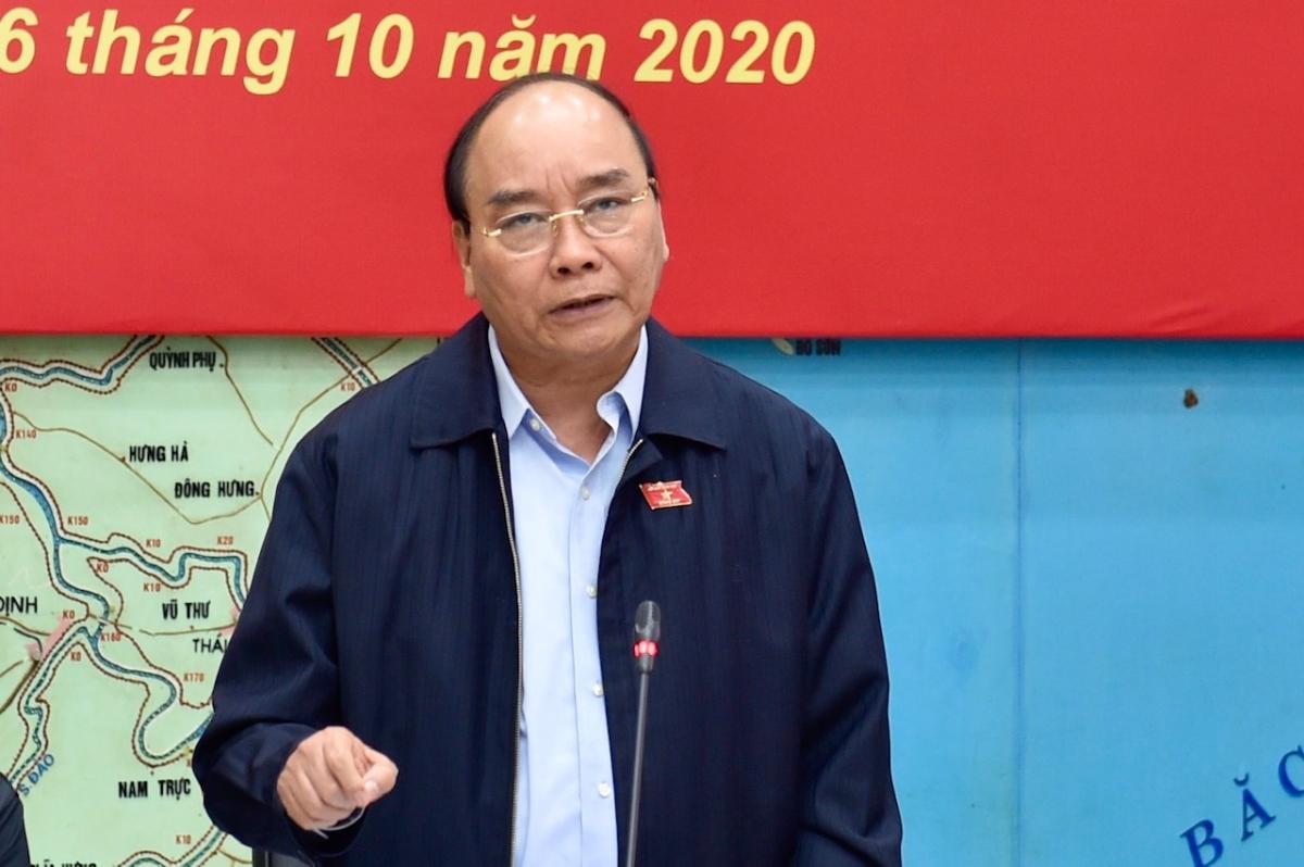 Thủ tướng Nguyễn Xuân Phúc: Cứu người là quan trọng nhất - Nguồn ảnh: VGP