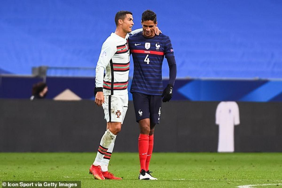 Việc Ronaldo mắc Covid-19 khiến nhiều cầu thủ phải tiến hành cách ly khi trở về CLB bởi CR7 vừa cùng ĐT Bồ Đào Nha thi đấu các trận gặp Tây Ban Nha và Pháp. (Ảnh: Getty).