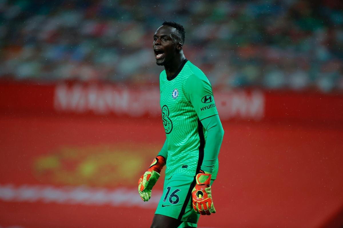 Phong độ cao của Edouard Mendy giúp Chelsea giữ sạch lưới và có trận hòa 0-0 trong ngày thi đấu lép vế trước MU.