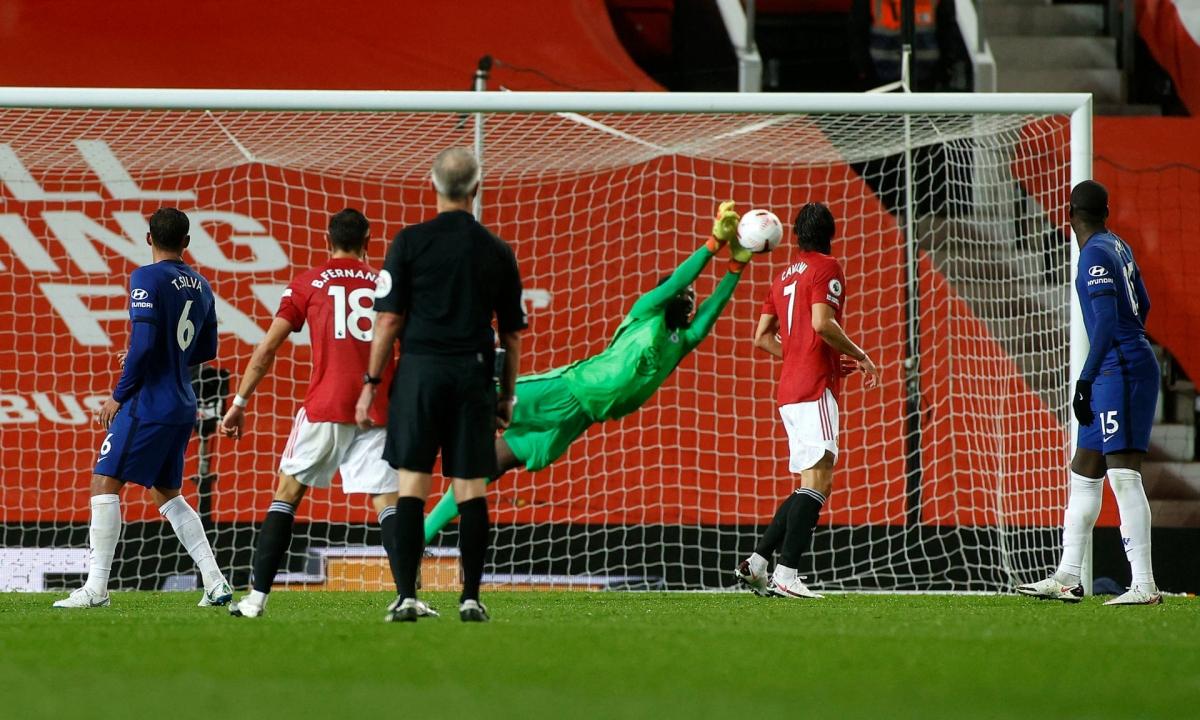 Edouard Mendy gây ấn tượng khi có những pha cản phá ngoạn mục, từ chối cơ hội ghi bàn của Juan Mata, Marcus Rashford, Bruno Fernandes.