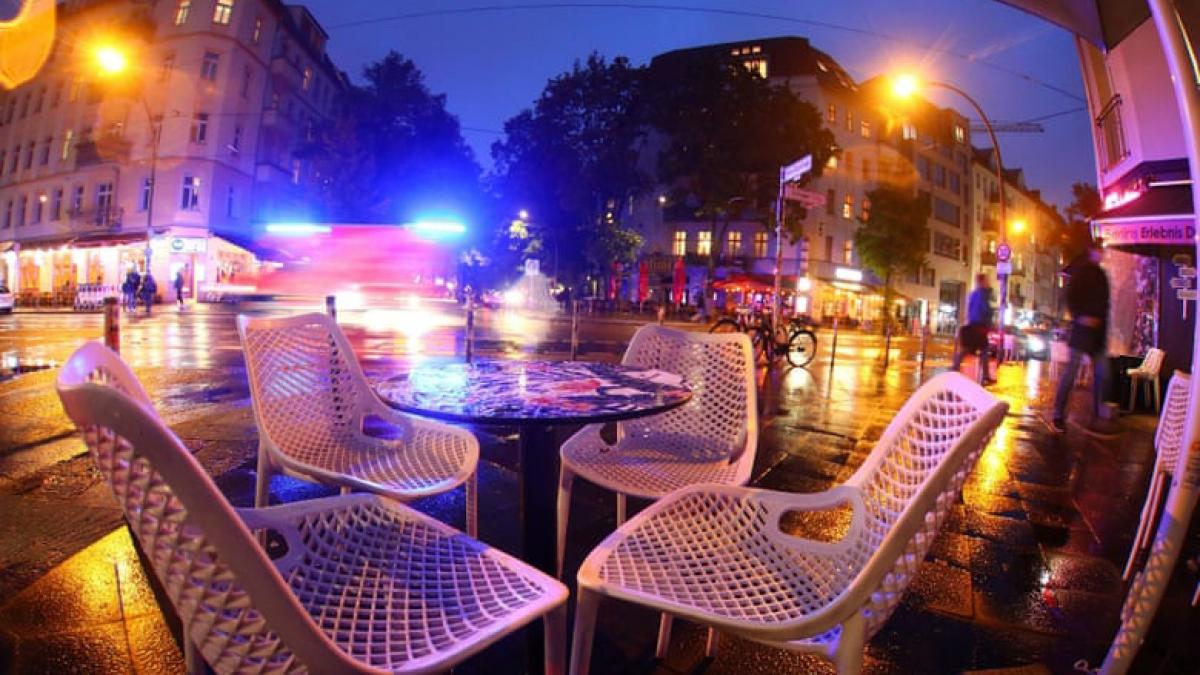 Các hàng quán tại Đức phải đóng cửa một tháng. Ảnh DW
