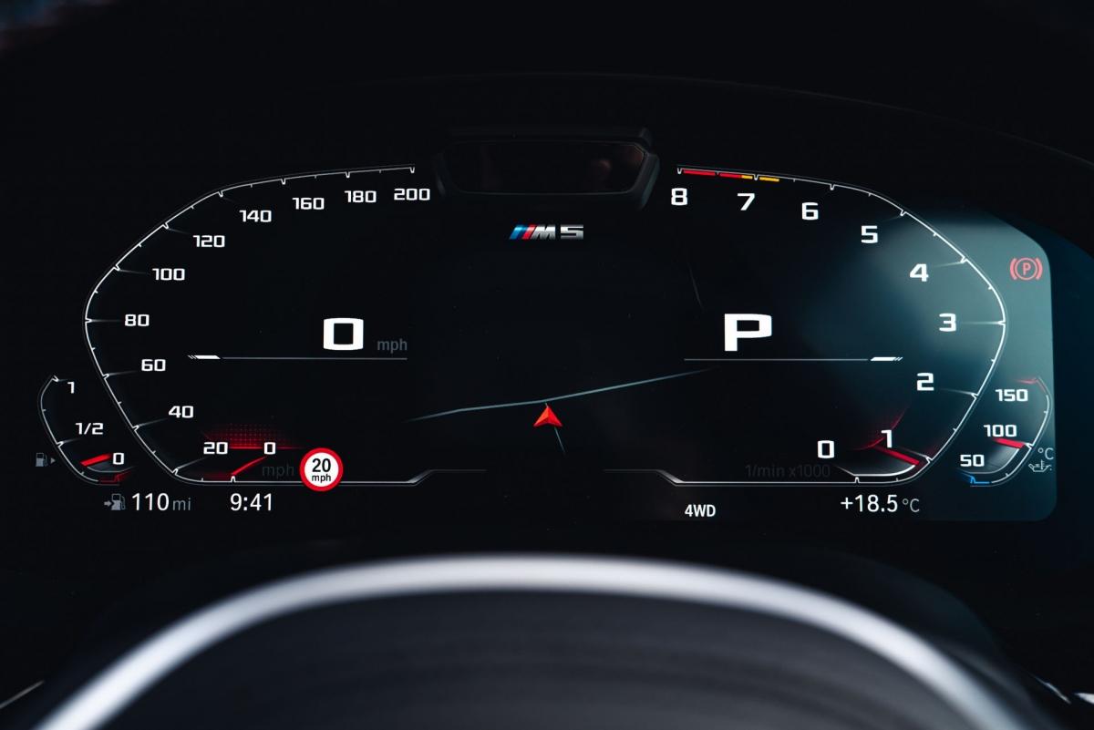M5 Competition có thể tăng tốc từ 0-100 km/h trong 3,3 giây trong khi bản M5 thường thực hiện điều này trong 3,4 giây./.