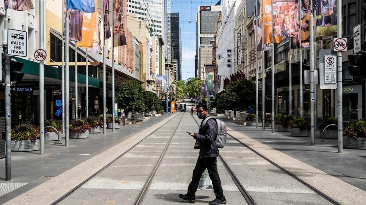 Thủ phủ Melbourne của bang Victoria, Australia được nới lỏng phong tỏa sau hơn 100 giám sát nghiêm ngặt. Ảnh: AAP.