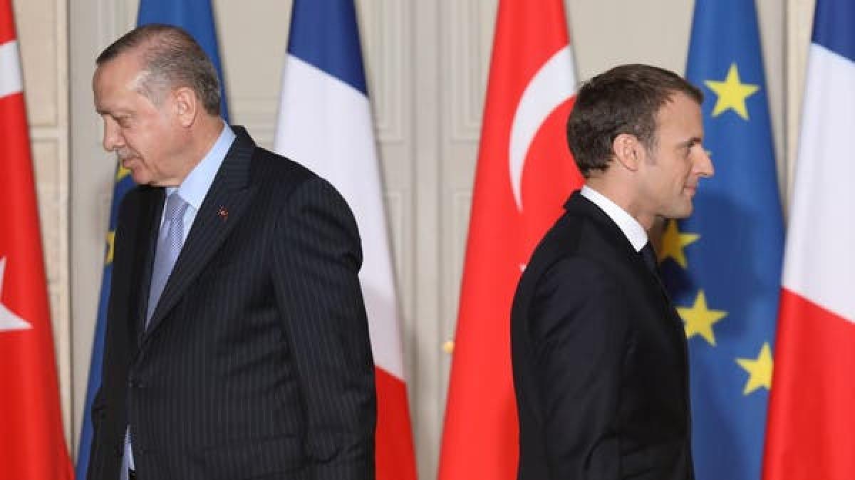Tổng thống Thổ Nhĩ Kỳ Erdogan và Tổng thống Pháp Macron. Ảnh: Reuters