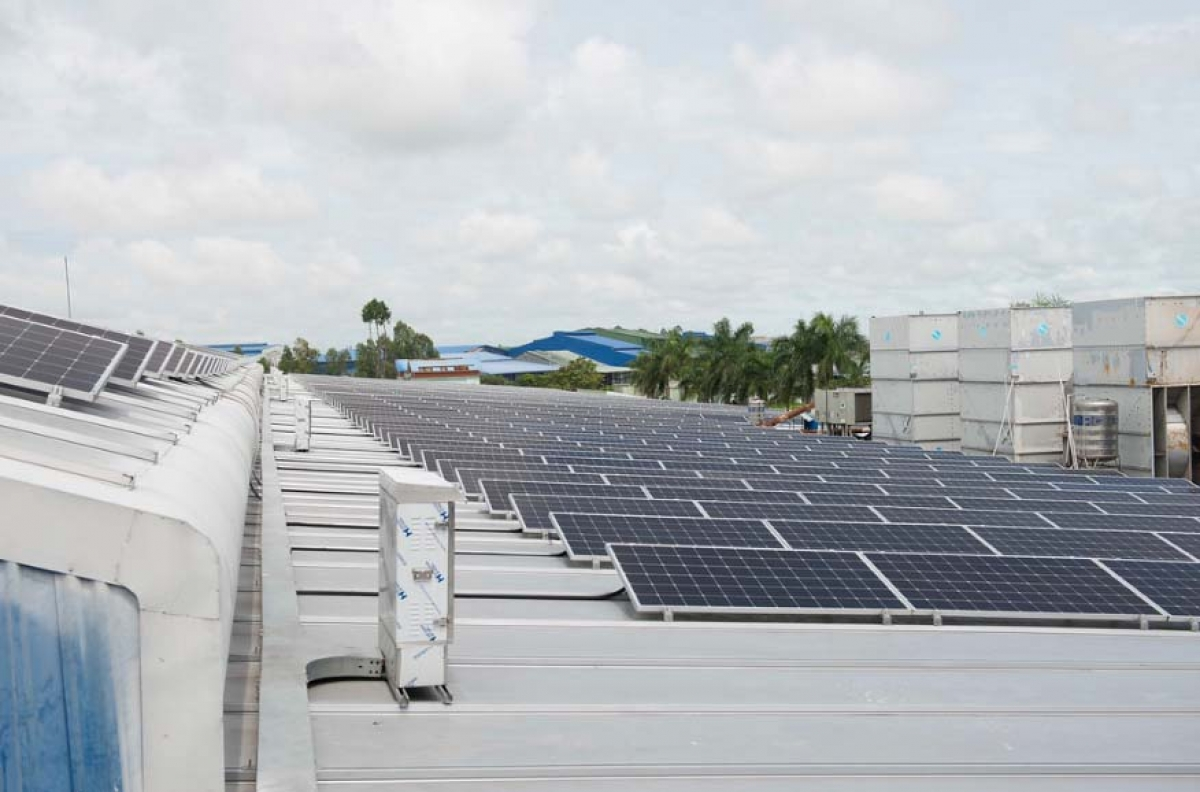 USAID facilitates private sector investment in solar energy in Vietnam. (Photo: USAID)